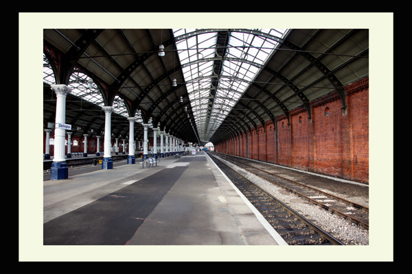 darlington railway station photo