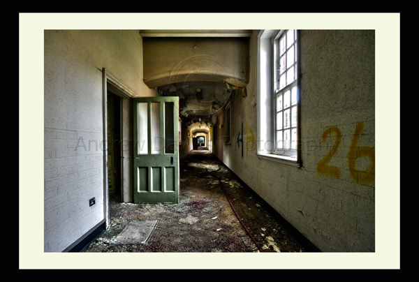 urban art abandoned asylum
